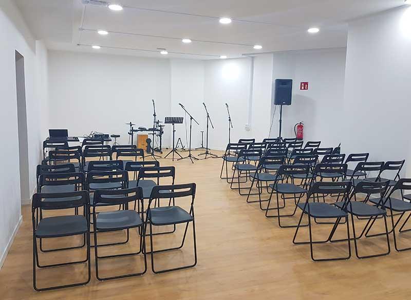 sala de actividades de los Cursos de español para extranjeros en Booster Learning Center